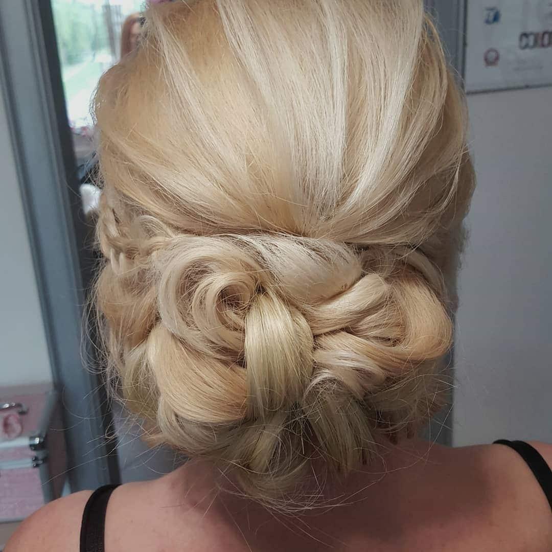 włosy do ramion fryzury na wesele