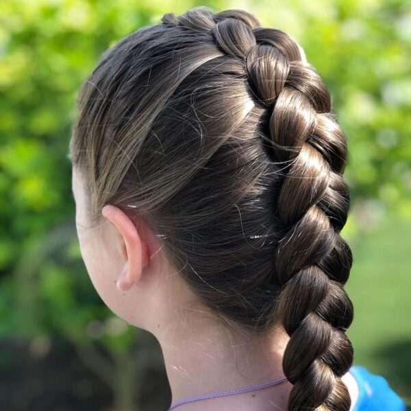 fryzury z warkoczem dla dziewczynek