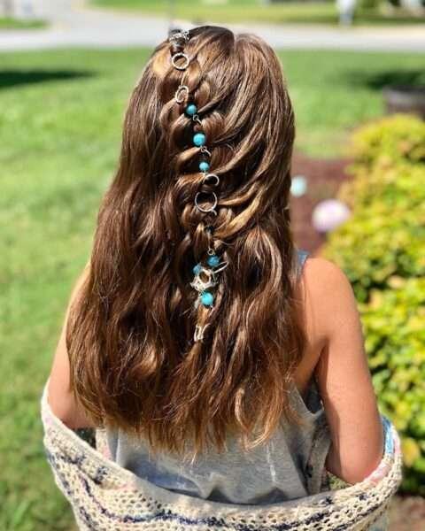 fryzury dla dziewczynki na wesele