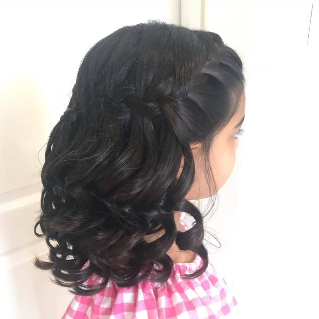 fryzury dla dziewczynek na komunię