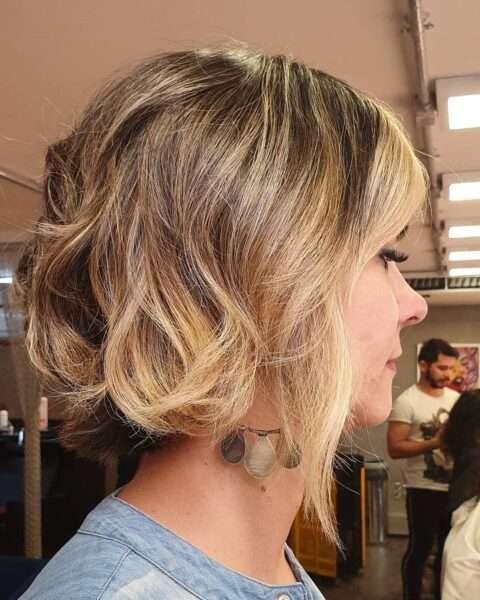 krótki bob fryzura