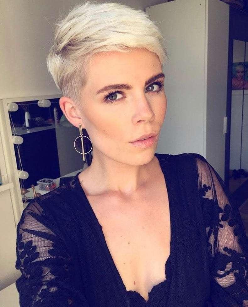 modne fryzury dla okrągłej twarzy