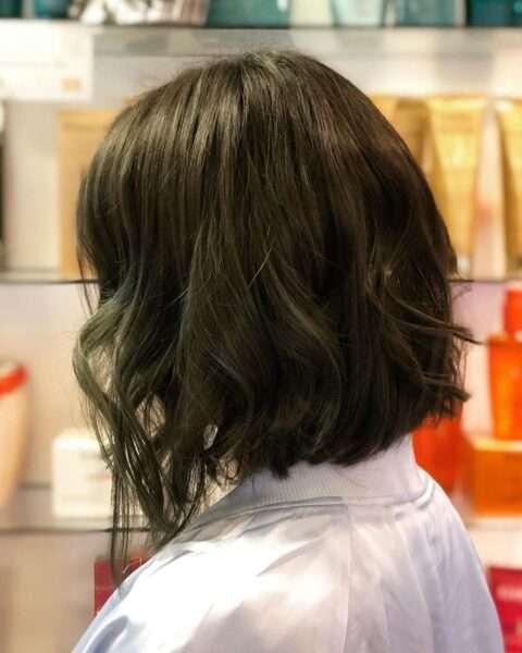 fryzury wyszczuplające twarz na wesele