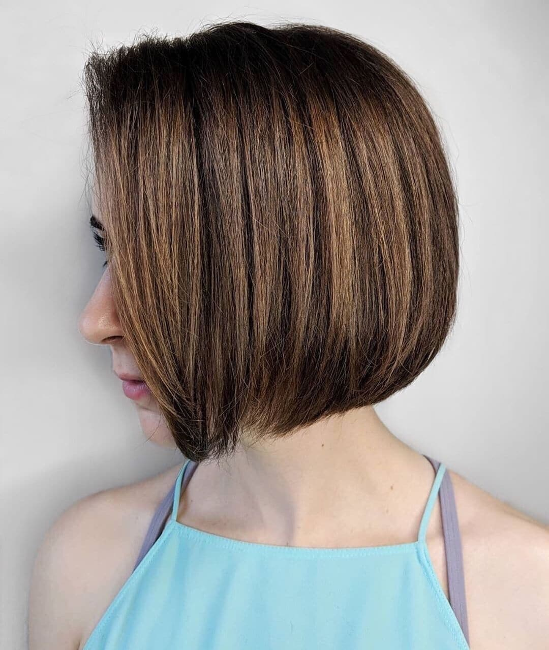 fryzury dla cienkich włosów i okrągłej twarzy