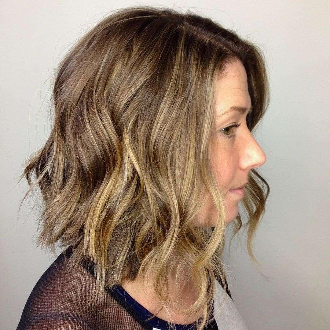 fryzura włosy do ramion
