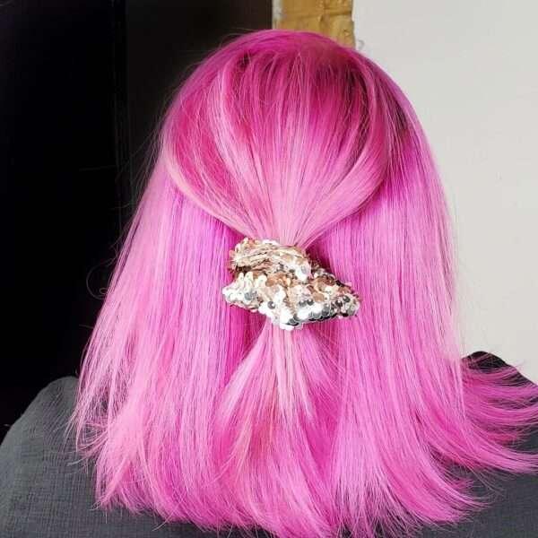 krótka fryzura loki