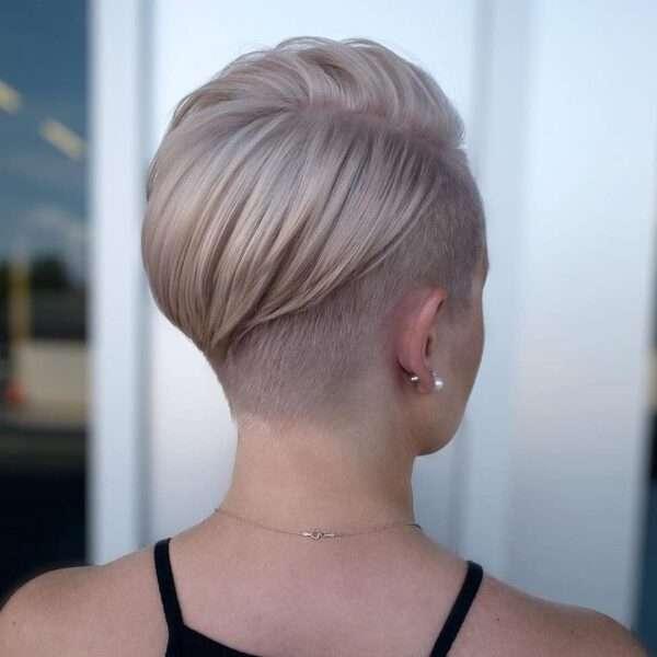 pelo muy corto mujer