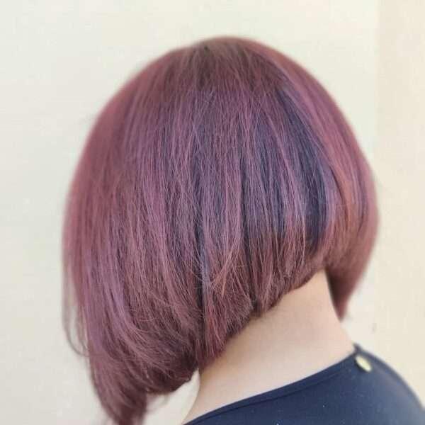 krótkie fryzury z grzywka na bok
