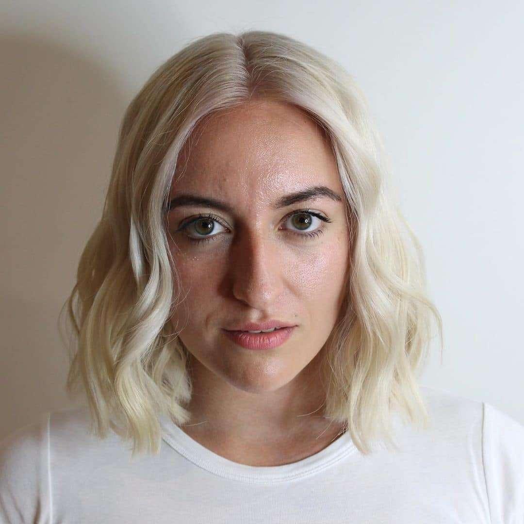 bardzo krótkie fryzury blond