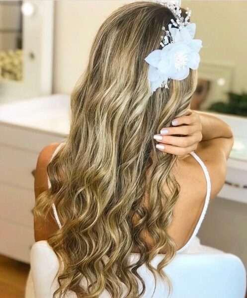 fryzura ślubna loki