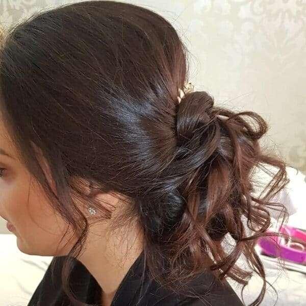 fryzura na wesele loki