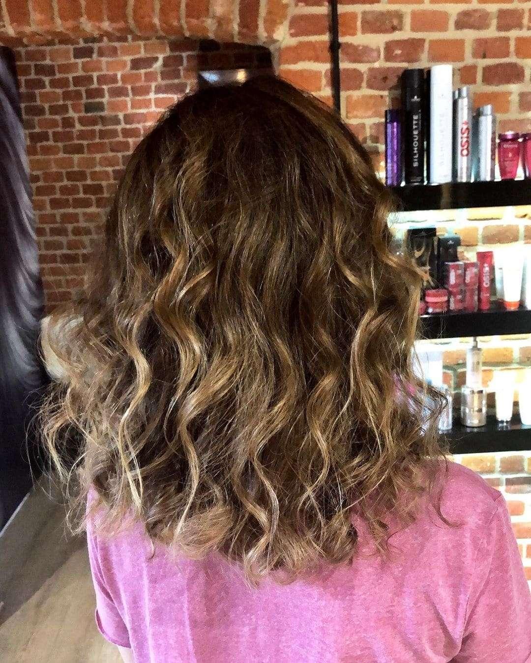 fryzura ślubna rozpuszczone loki