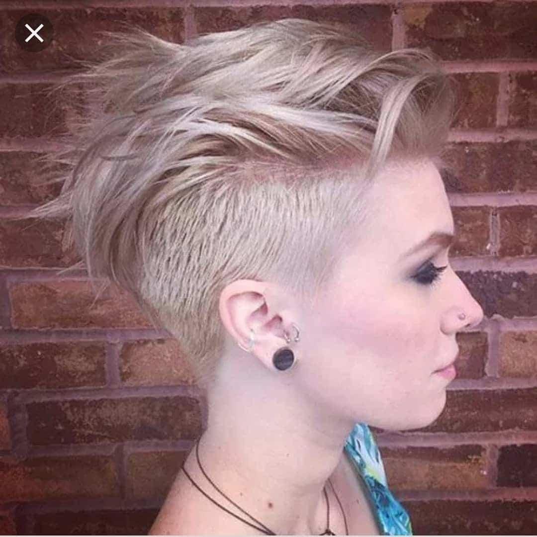 bardzo krótkie damskie fryzury