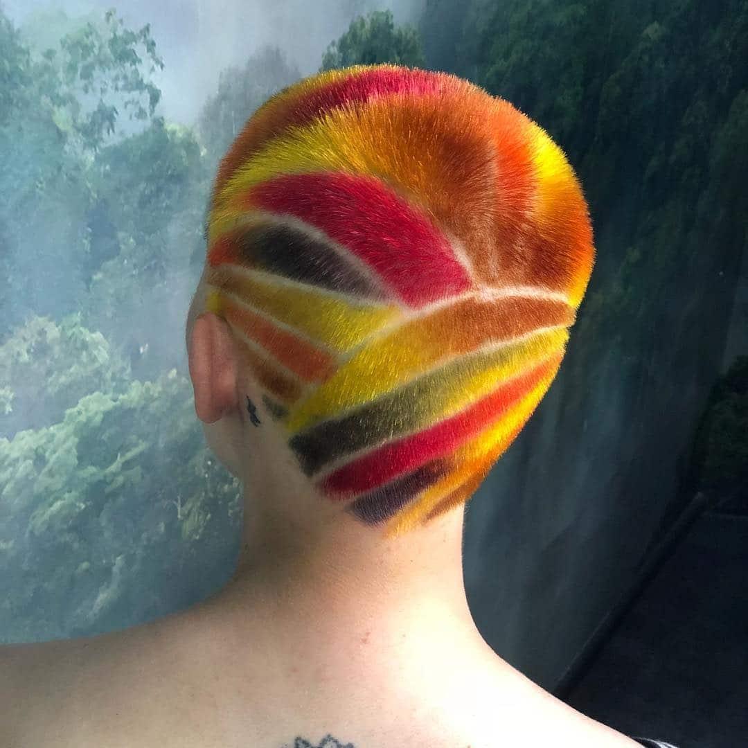 bardzo krotkie fryzury damskie