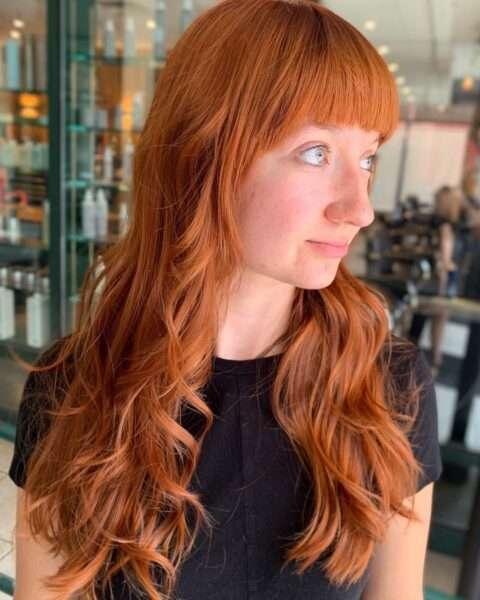 cabello anaranjado con flequillo infantil