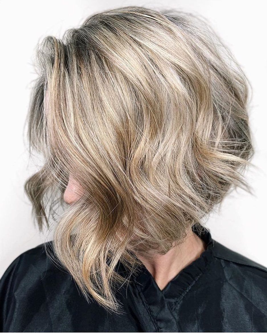 fryzury półdługie z grzywką bob