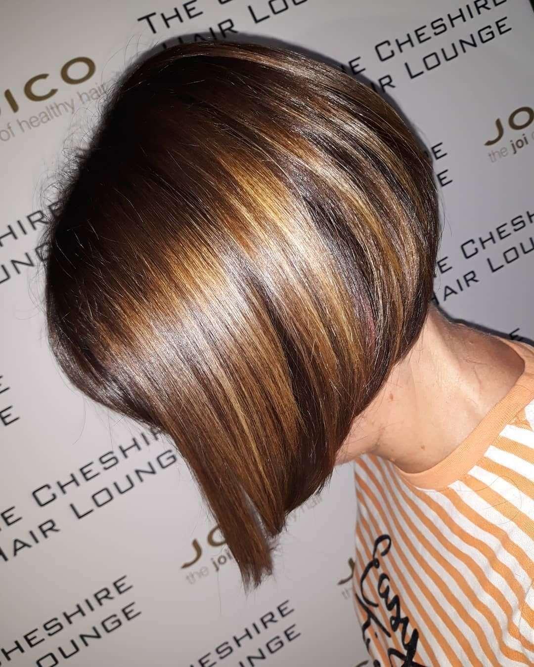 fryzury poldlugie z grzywka