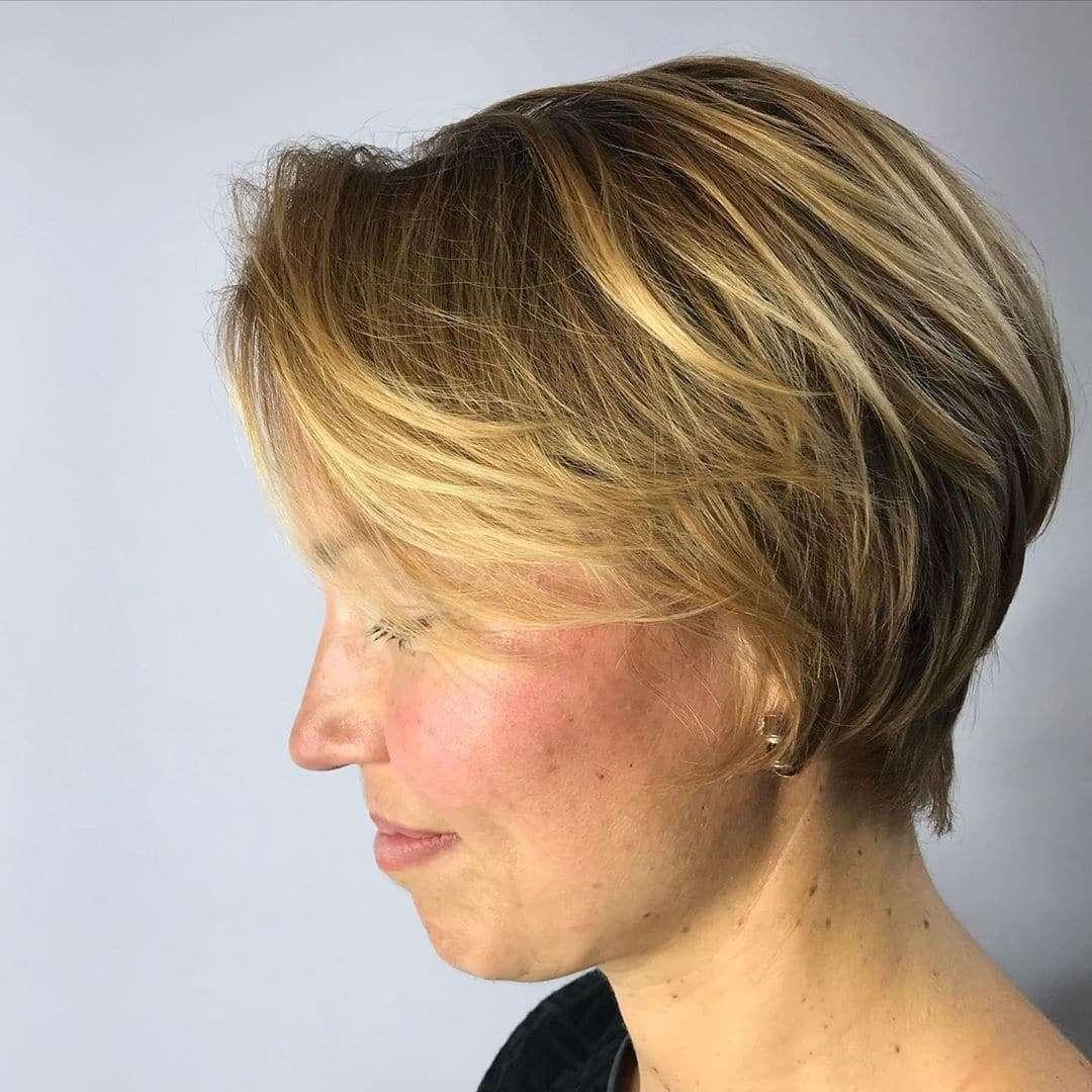 fryzury krótkie blond włosy