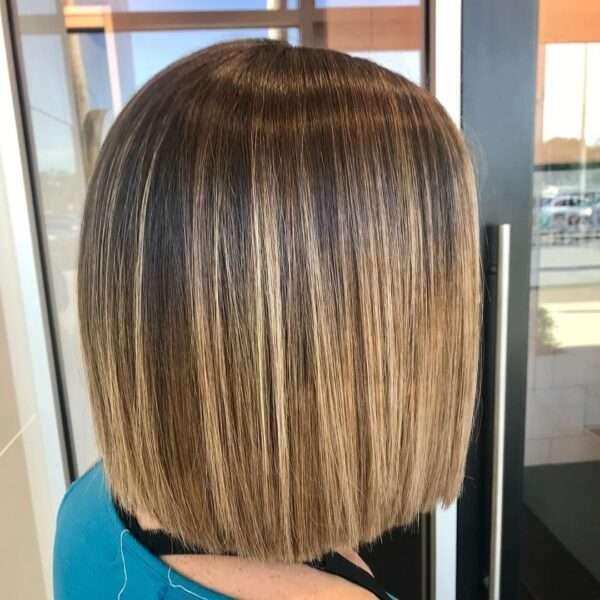 krótkie fryzury ciemny blond