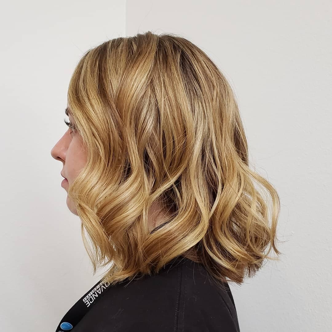 krotkie fryzury blond