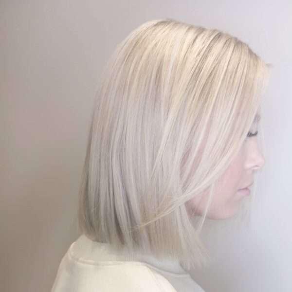 krótkie blond fryzury 2021
