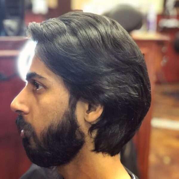 fryzury męskie długie 2021