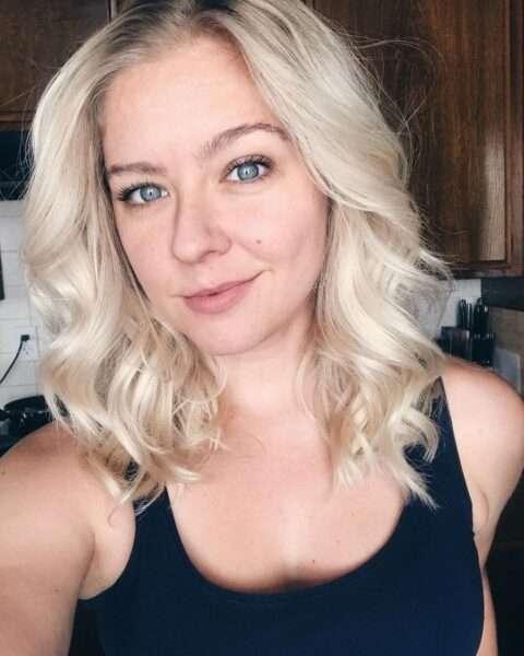 fryzury blond krótkie włosy