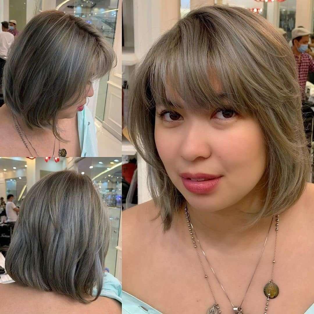 fryzury półdługie z grzywką na bok
