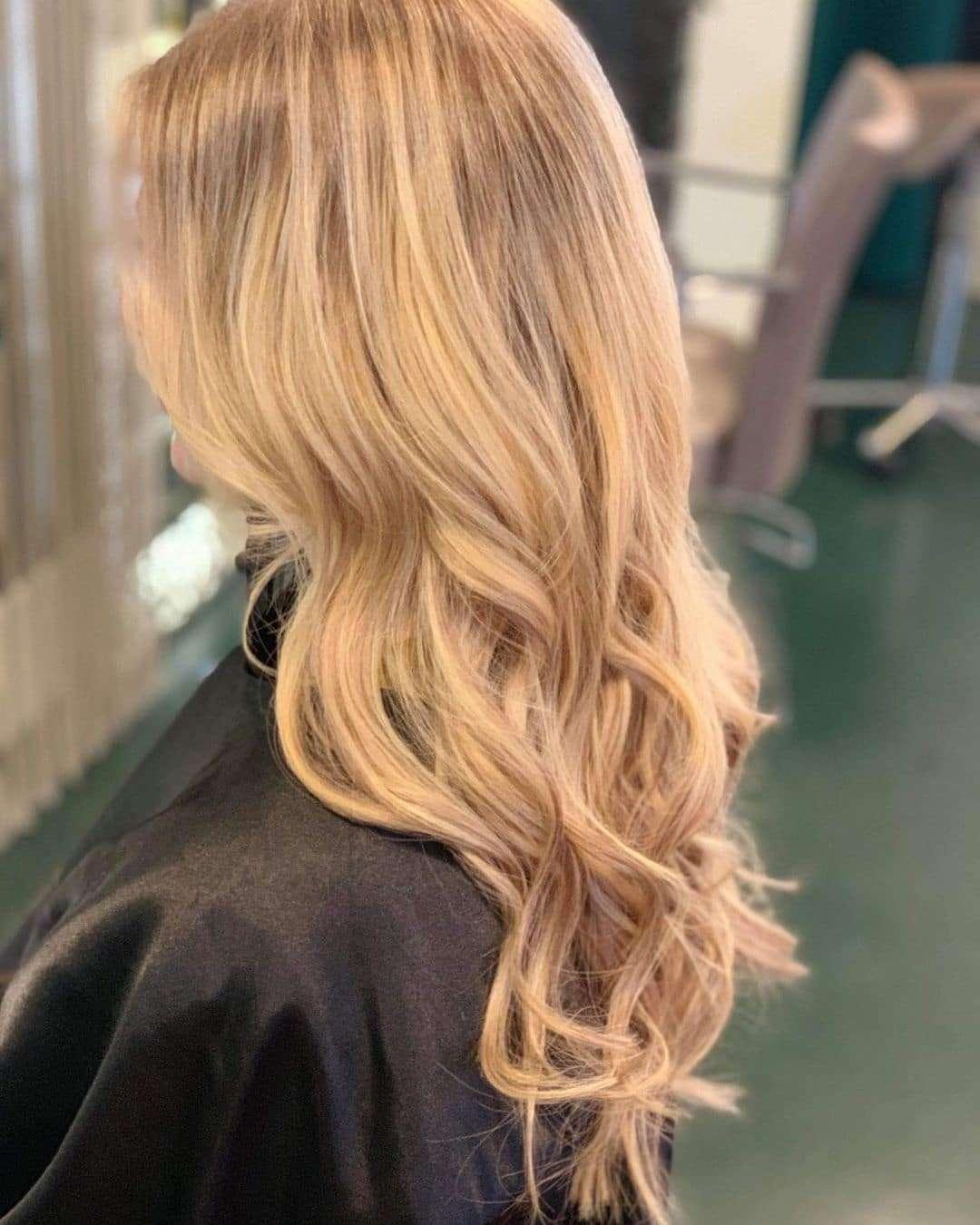 fryzury damskie długie włosy