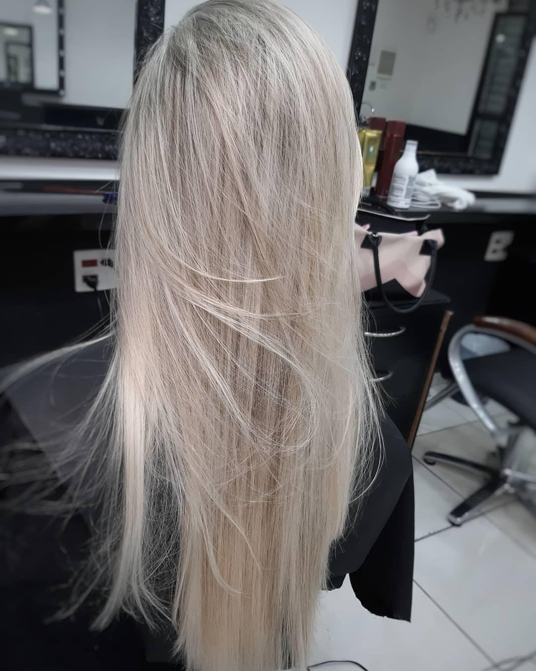 fryzury długie proste włosy