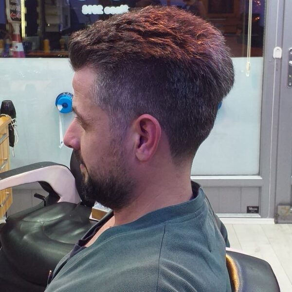 mlodziezowe fryzury meskie 2021