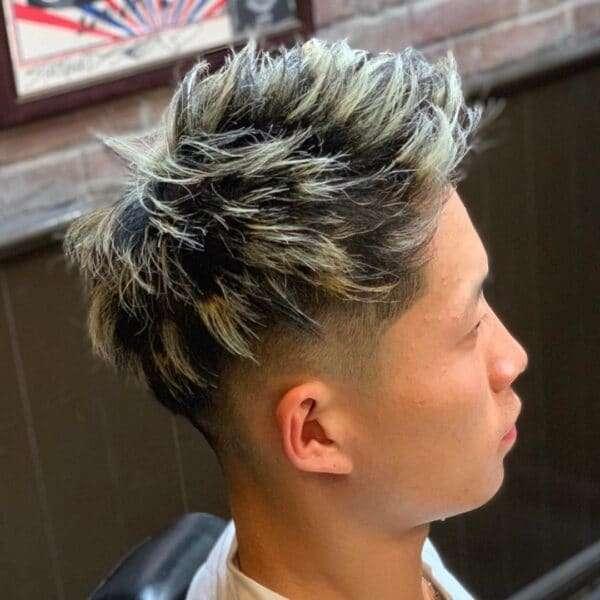 fajne fryzury męskie długie włosy