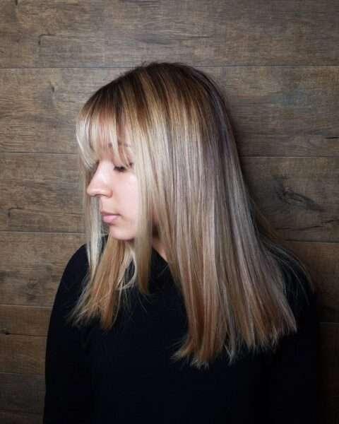 corte de pelo para cabello de longitud media con flequillo