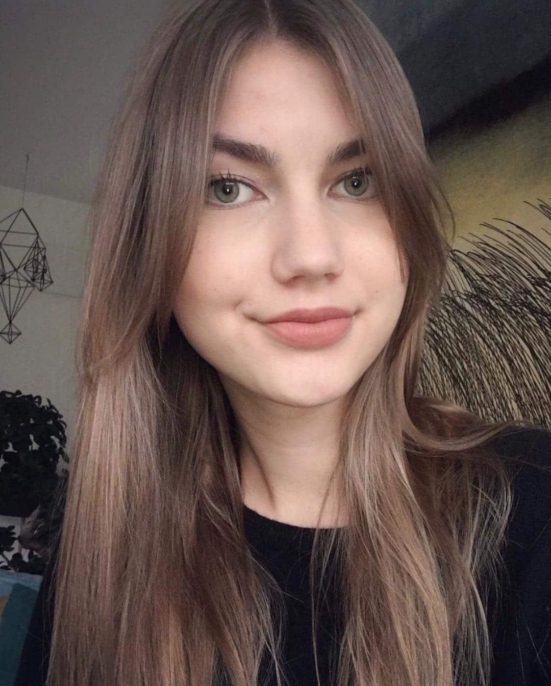 proste fryzury długie włosy
