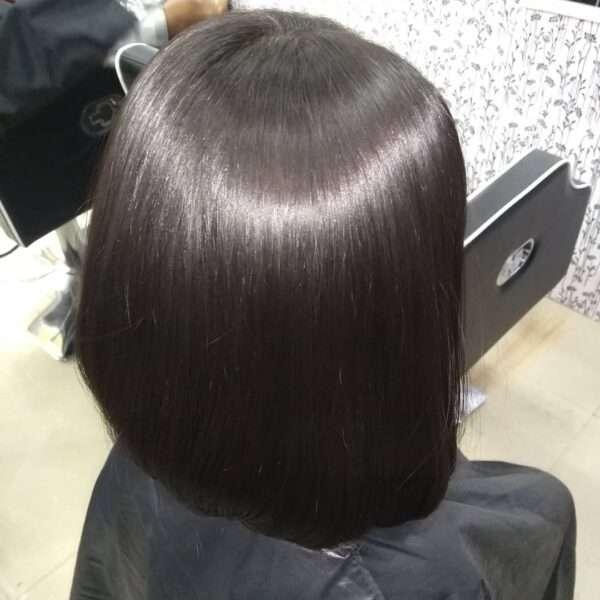 Gładki bob dla gęstych włosów