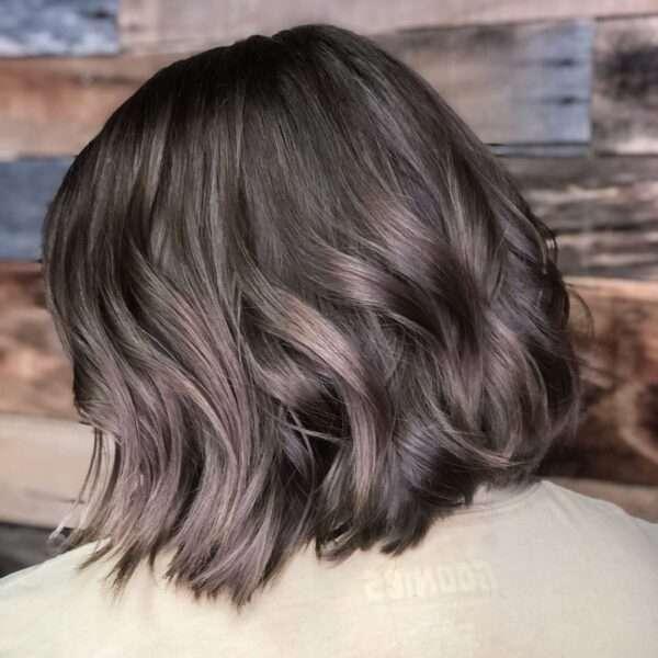 Delikatne loki dla krótkich włosów