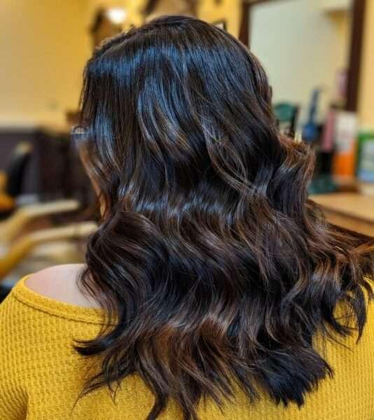 modne fryzury damskie półdługie