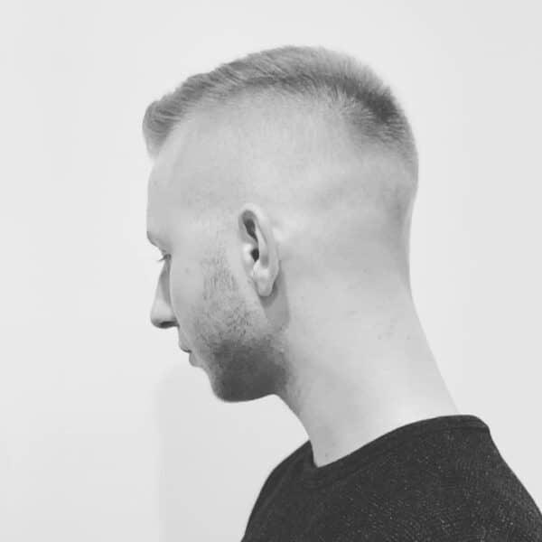krótkie fryzury męskie 2021