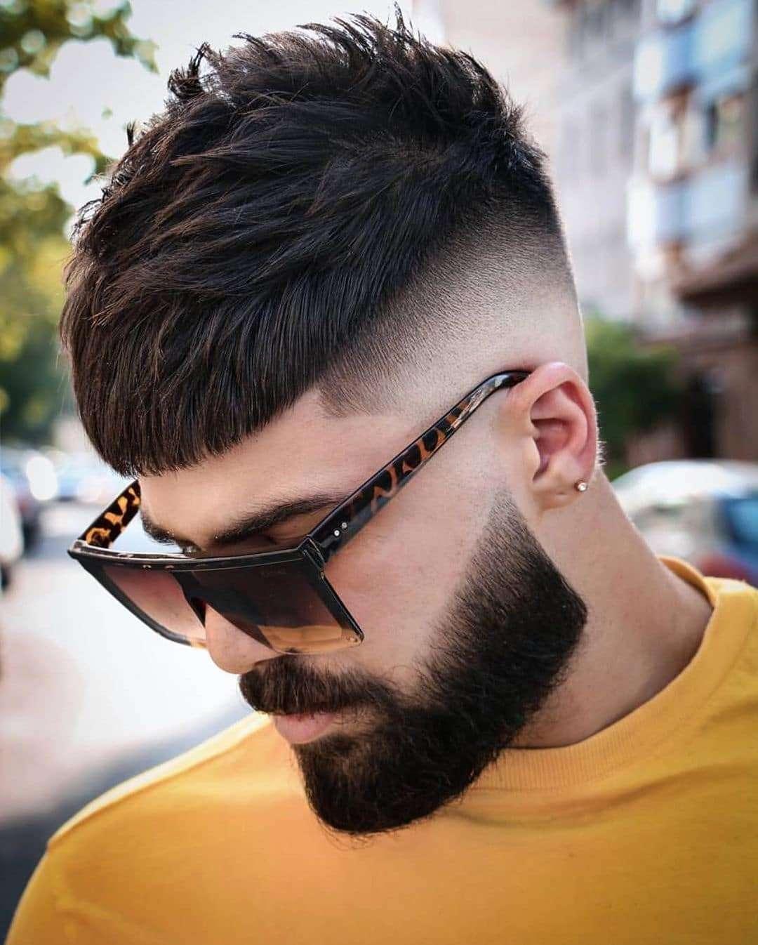 Krótkie teksturowane cięcie z brodą