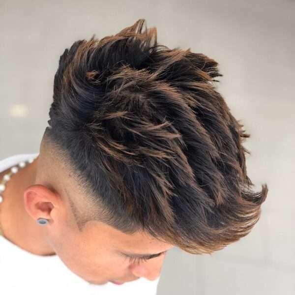 fryzury męskie na bok zdjęć