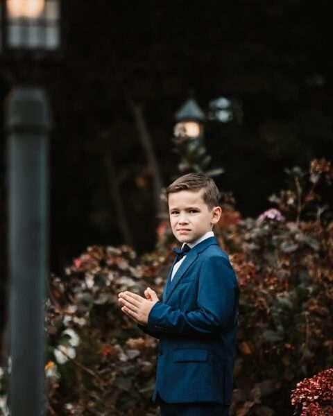 el peinado del pequeño caballero