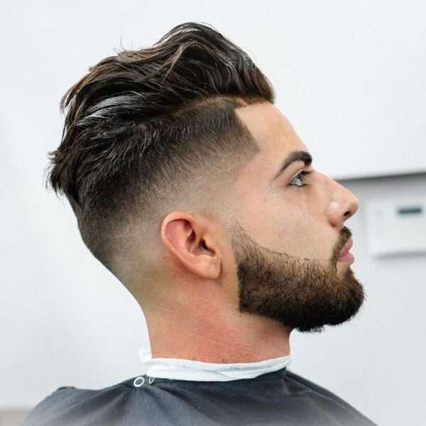 fryzura męska krótkie boki dłuższa góra