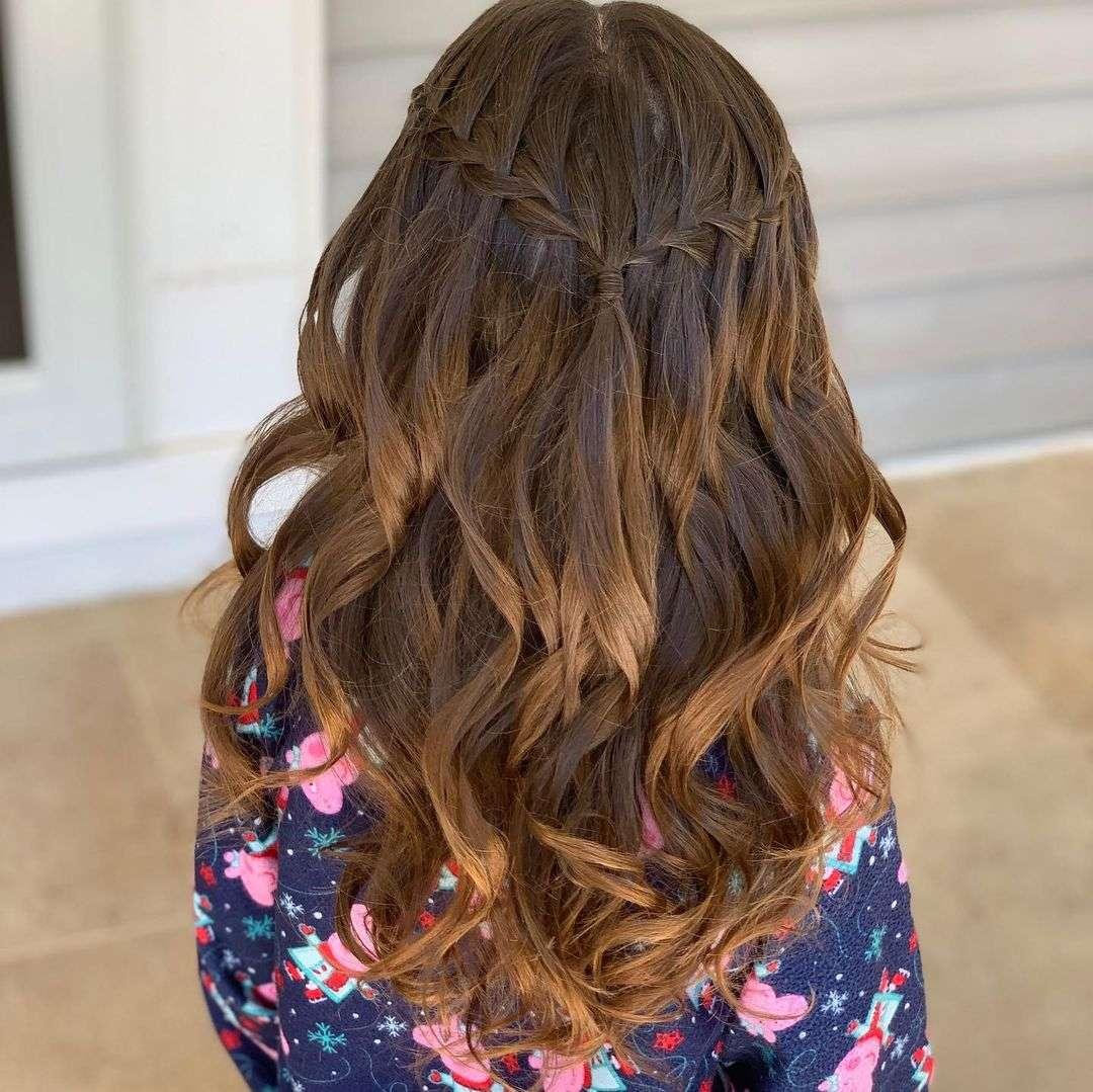fryzury na 1 komunie dla dziewczynki