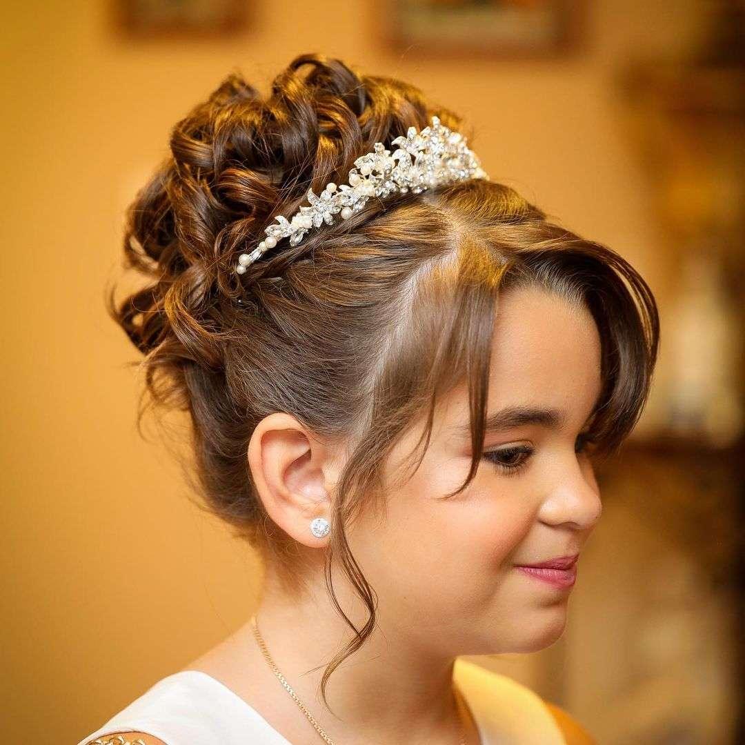 fryzury na komunie dla dziewczynek