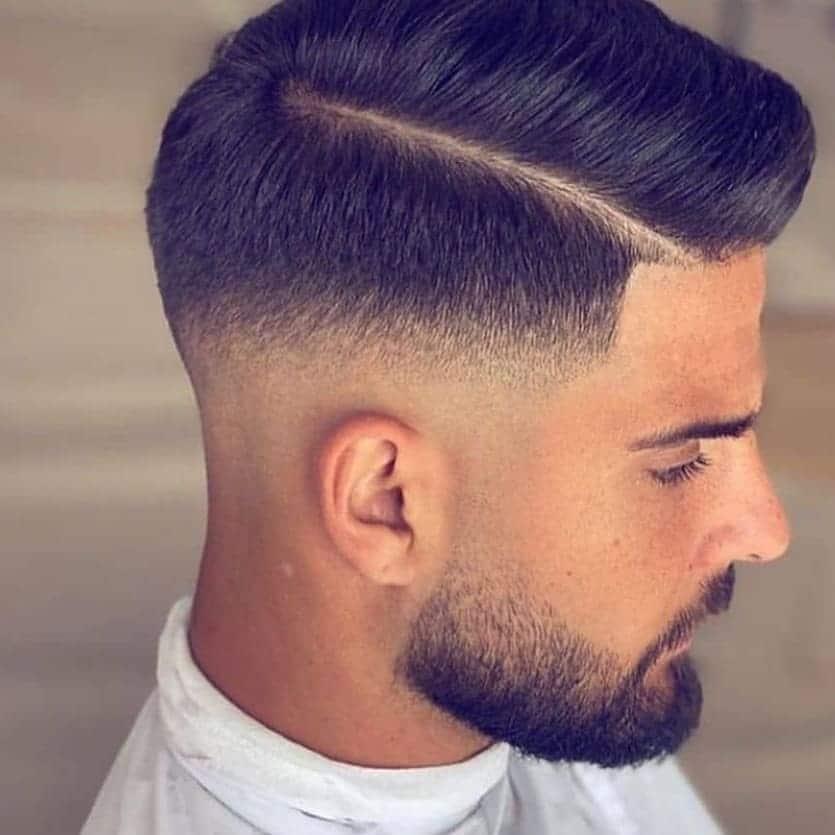 fryzury męskie krótkie na bok
