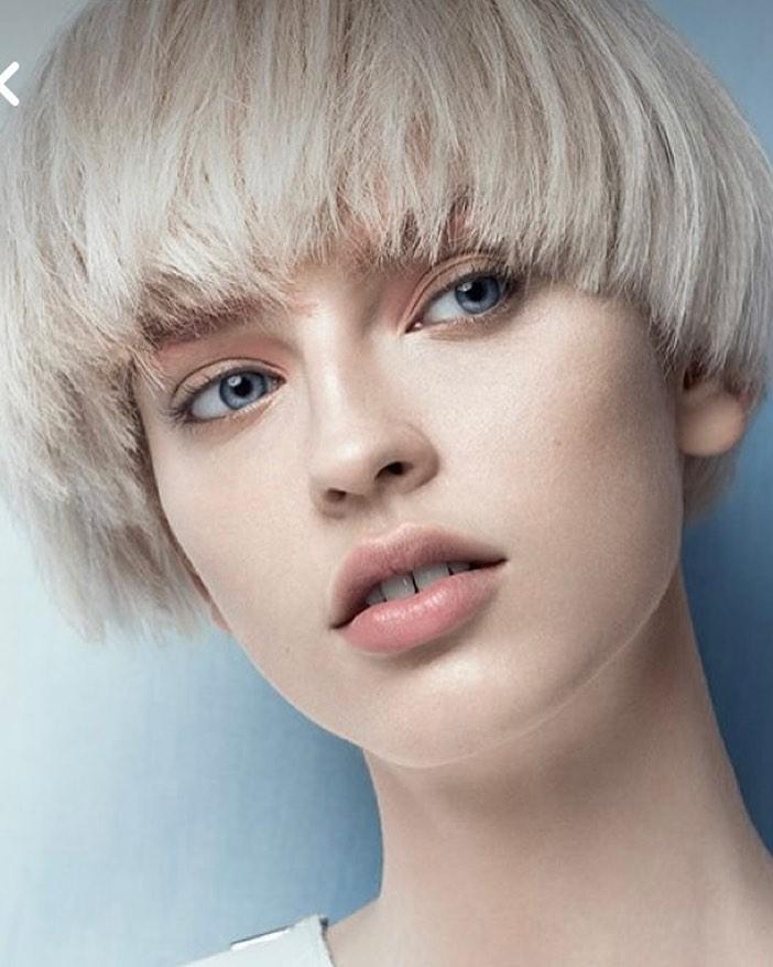 fryzura damska na grzybka