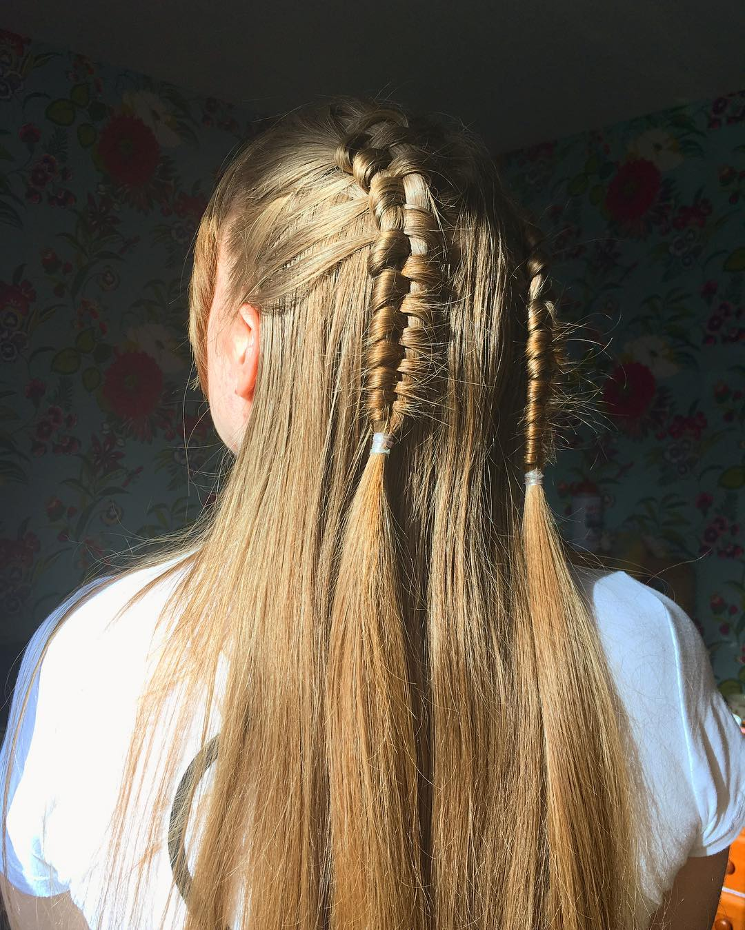 fryzury wieczorowe z warkoczem