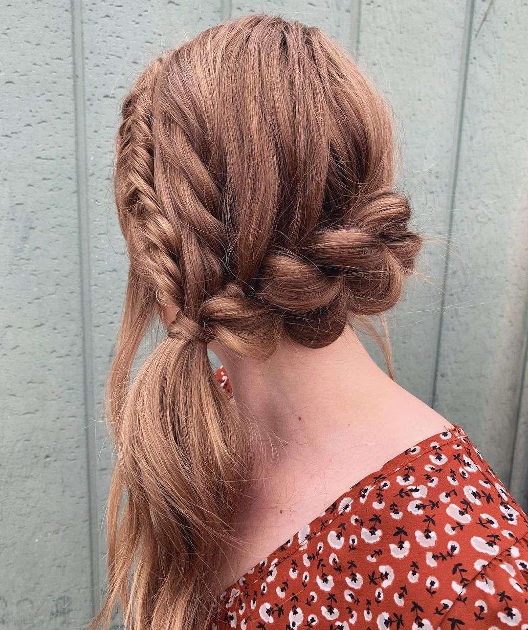 fryzura ślubna kucyk
