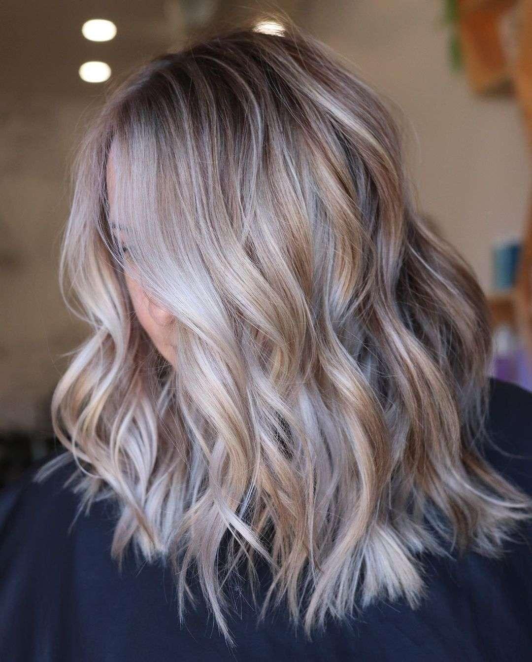 fryzury dla cienkich włosów i pociągłej twarzy