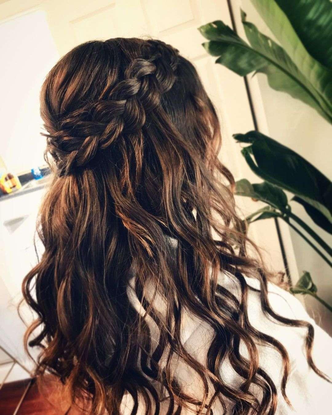 fryzury ślubne z warkoczem francuskim